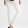 pantaloni per donne incinta bianchi